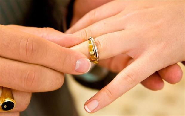 wedding-rings_2057950b