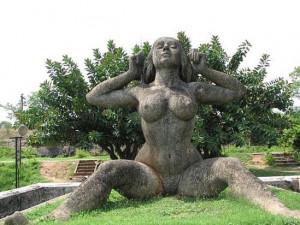 yakshi-statue