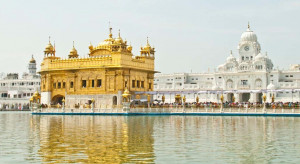 Golden-Temple-Amritsar--1038x569